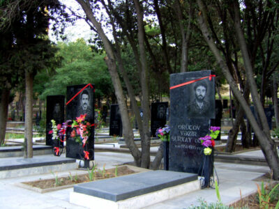 Gravestones_of_Azeri_soldiers_died_in_Karabakh_war
